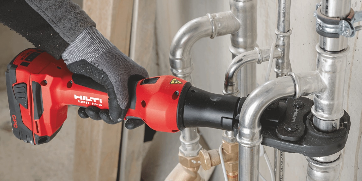 NPR 19-A cordless pipe press tool with approved press jaw